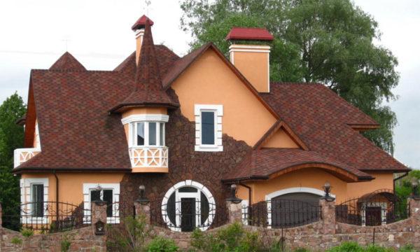 Сложная крыша с доборными элементами