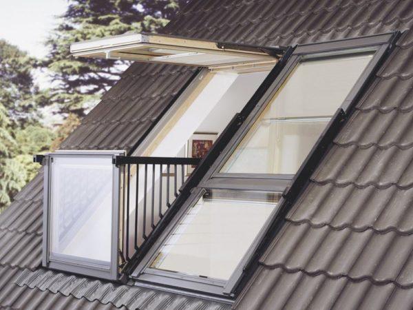 Мансардное окно с балконом
