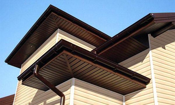 Подшивка крыши металлосайдингом