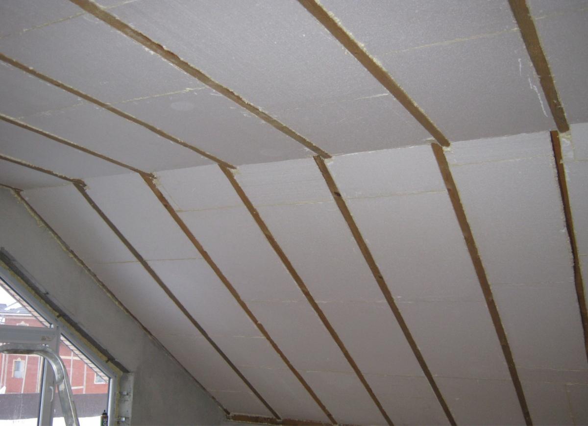 Утеплить деревянный потолок пенопластом своими руками 7