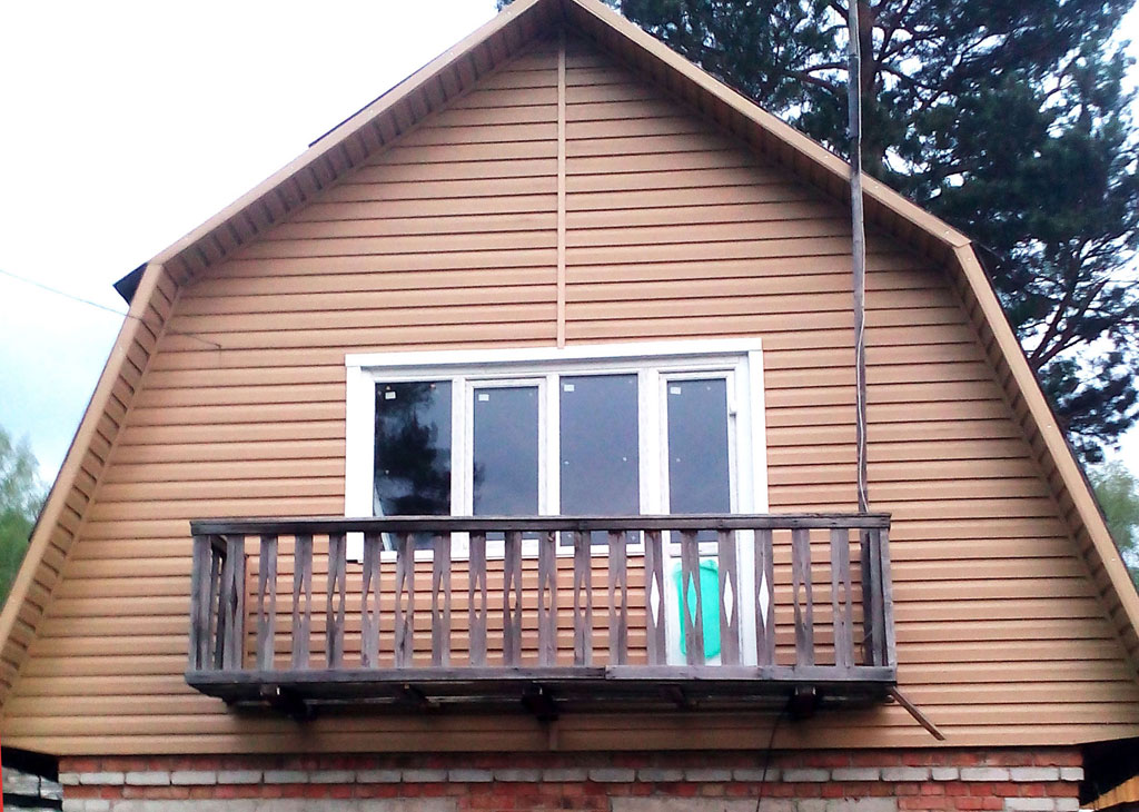фото балконом фронтон с мансарда