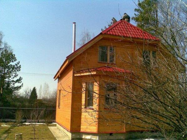 Пристройка с трёхскатной крышей
