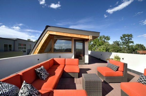 Эксплуатируемая плоская крыша дома