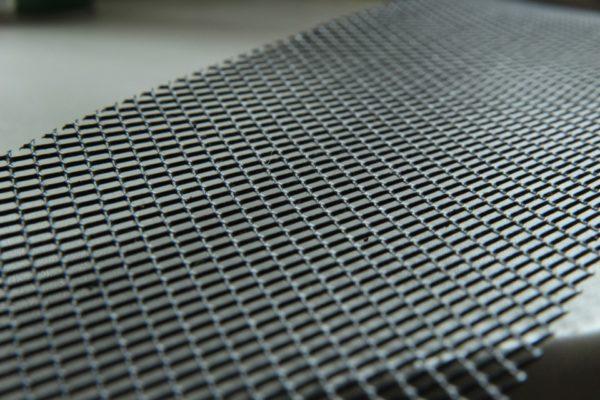 Кусок металлической сетки