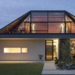 Стеклянная вальмовая крыша