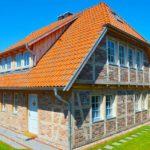 Мансардная крыша вальмового типа