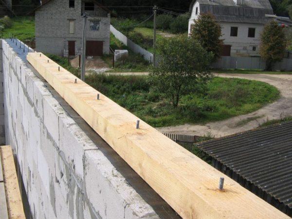 Мауэрлат ломаной крыши