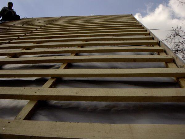 Обрешётка двускатной крыши