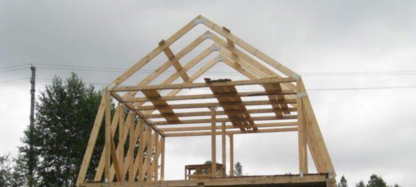 Ломаная четырёхскатная крыша гаража