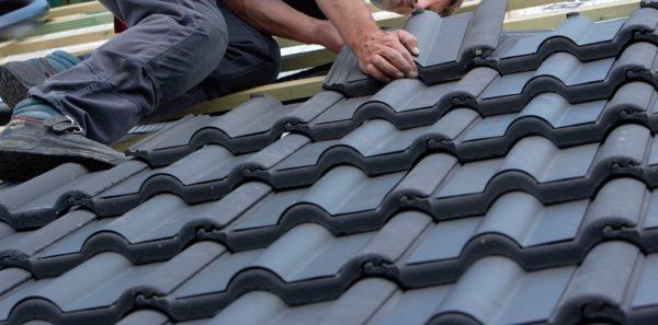 Укладка черепицы на крышу гаража