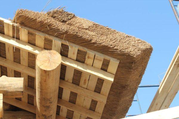 Обрешётка под крышу из соломы