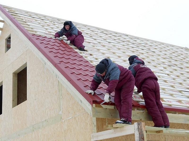 как постелить металлочерепицу на крышу
