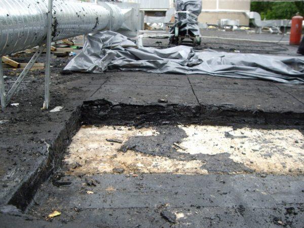 Большое количество слоёв рулонного покрытия в срезе