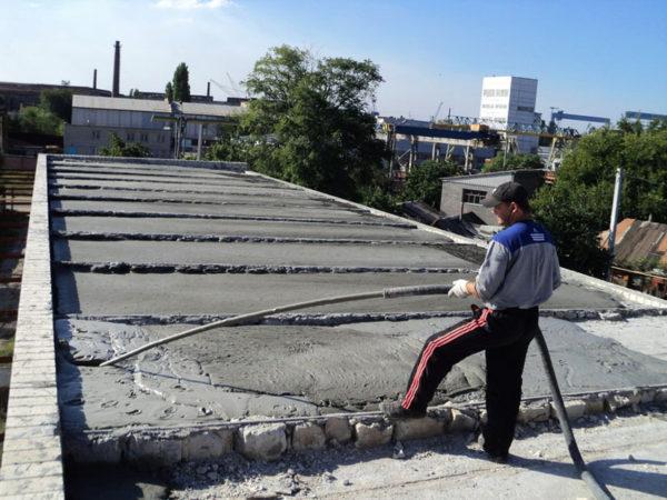 Цементная стяжка на крыше
