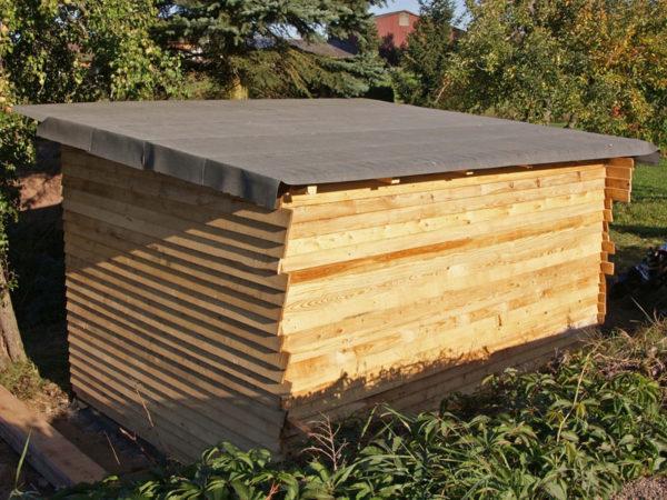 Сарай с крышей из рубероида