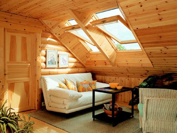 Небольшое чердачное жилое помещение