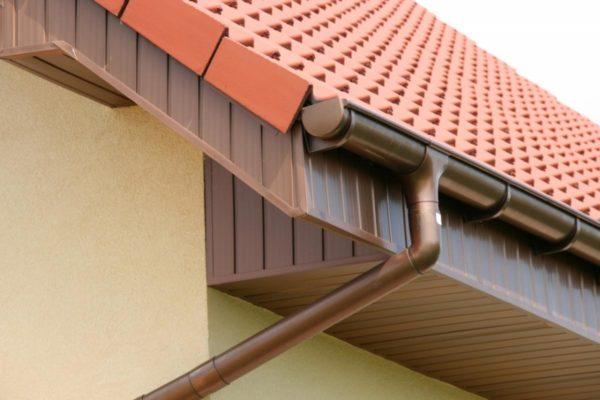 виды водостоков для крыши фото