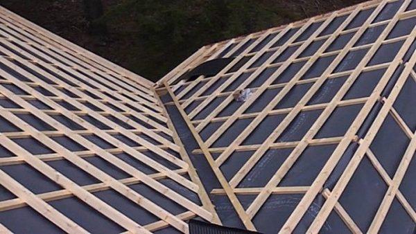 Монтаж обрешётки на крыше